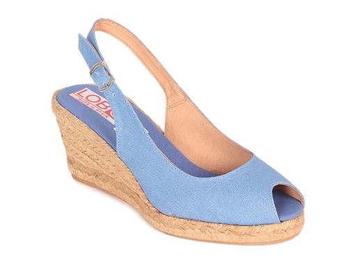 Alpargata cuña media sandalia abierta en color vaquero azul