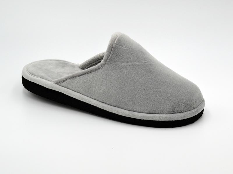 Zapatilla de pelo abierta para mujer en color gris perla